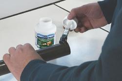 GEB innove et présente la colle pour canalisations PVC rigide. dans - - - Actualité lubrifiants industriels. 250-786