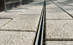 R habilitation du site belval des caniveaux sur mesure for Caniveau invisible pour terrasse